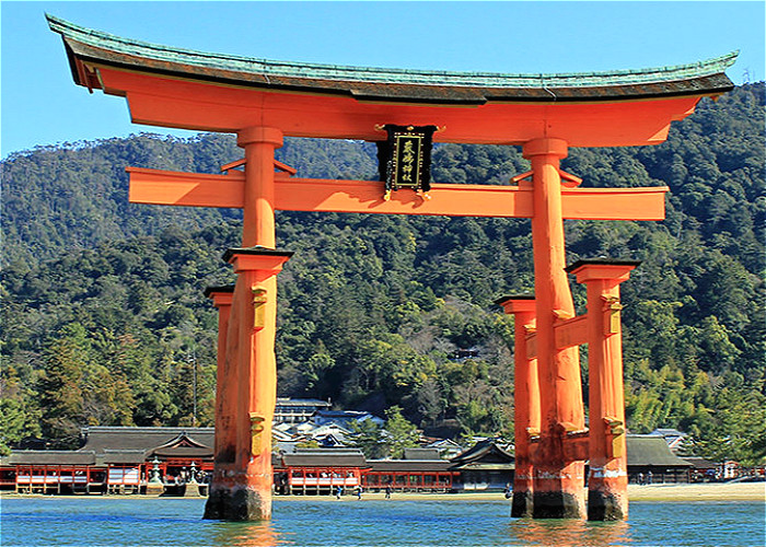 Jour 8 - HIROSHIMA – MIYAJIMA – HAKATA