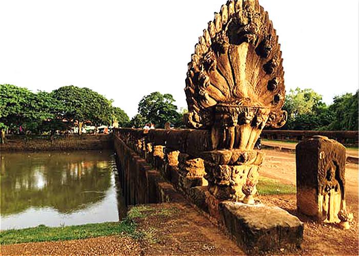 JOUR 23 - SIEM REAP – KAMPONG – PHNOM PENH